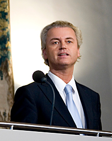 """Wilders-2010-cropped"" by RijksvoorlichtingsdienstDerivative work: Machinarium - http://commons.wikimedia.org/wiki/File:2010-presentatie-regeerakkoord2.jpg#Summary. Licensed under CC BY-SA 2.0 via Commons - https://commons.wikimedia.org/wiki/File:Wilders-2010-cropped.jpg#/media/File:Wilders-2010-cropped.jpg"